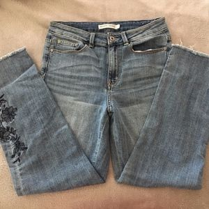 Straight leg jeans with embroidery
